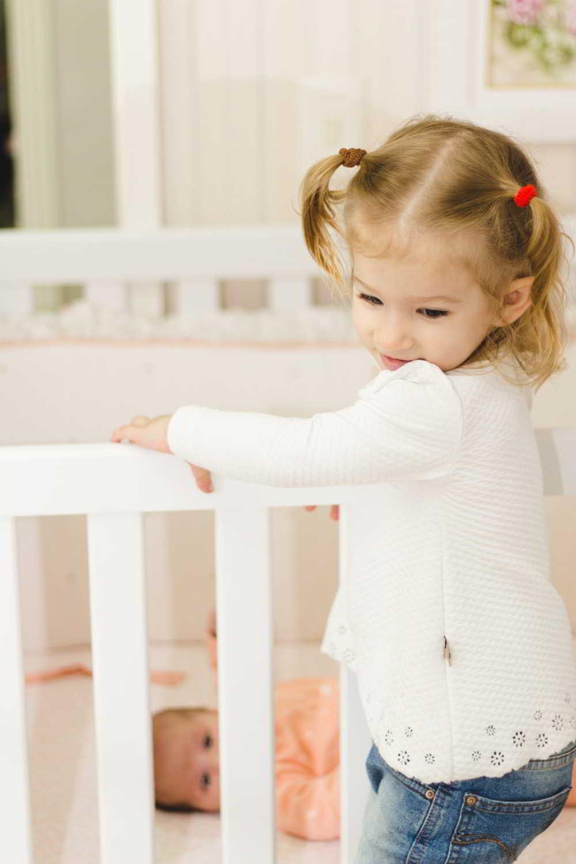 Wybierz kolorową lampę wiszącą do pokoju dziecięcego